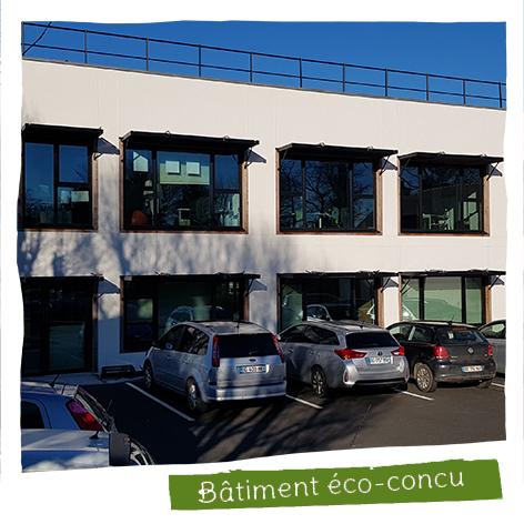Notre dernier bâtiment à été construit en partie à base de chanvre de notre filière.